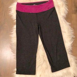 Nike Dri-Fit cropped legging pants size Large